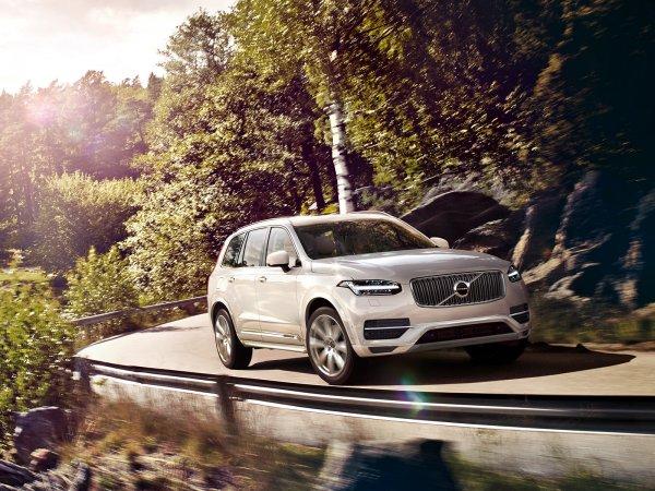 Кроссовер Volvo XC90 третьего поколения получит электромотор