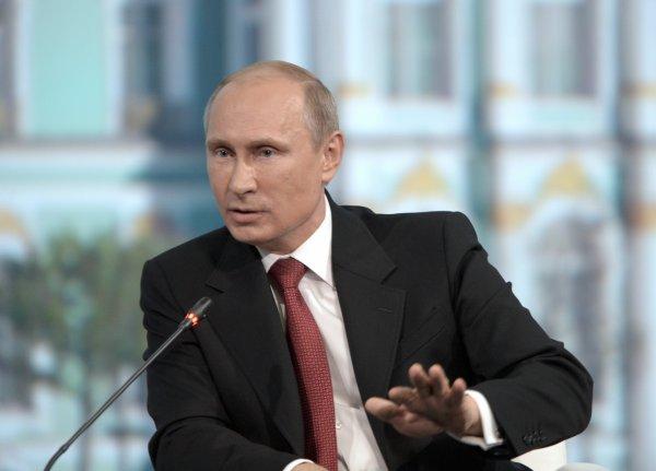Более 65% россиян верят в существование мирового правительства