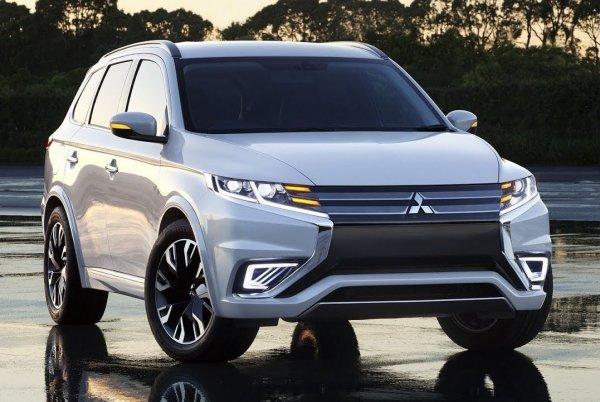 Mitsubishi начнет продажи нового кроссовера Mitsubishi Outlander в РФ осенью