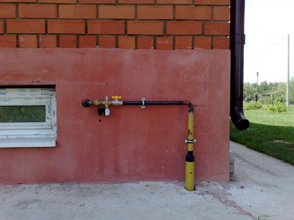 Жители одного дома в Ростове платят налоги Украине