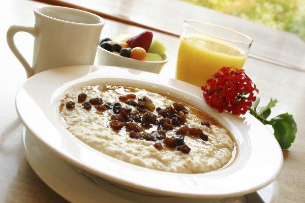 Специалисты рассказали, нужно ли завтракать перед тренировкой