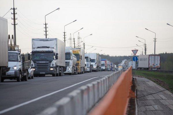 «Пробки на миллиард рублей»: Россияне критикуют ремонт М7 «Волга» и «враньё Путину»