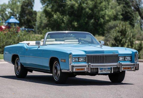 Красивейший ретромобиль Cadillac Eldorado заметили в Воронеже