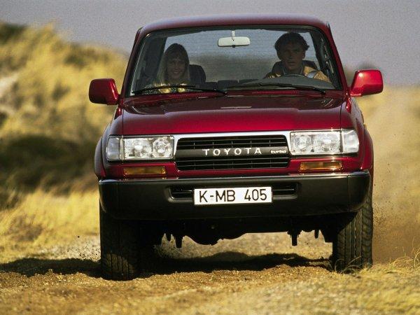Toyota Land Cruiser 80 возглавил ТОП-5 самых «неубиваемых» внедорожников из 90-х