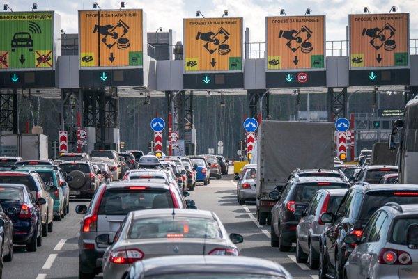 «Ползут как черепахи»: Автомобилист рассказал, как разочаровался в «платках» М4 «Дон»