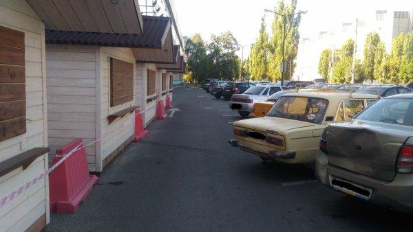 Выпирающая парковка «Жигулей» спровоцировала ссору в Сети