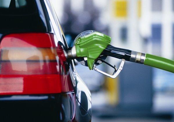 Власти стабилизировали цены на нефть, но предупредили о грядущем подорожании