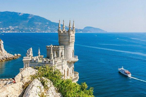 Москвич нашёл сомнительный «короткий путь» в Крым и рассказал, сколько стоит поездка