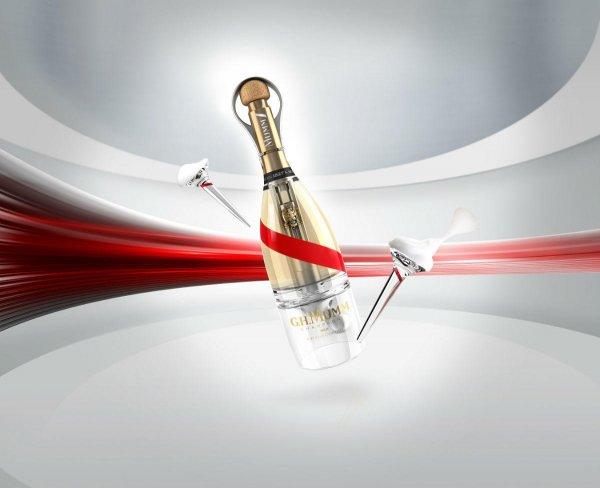 Учёные изобрели бутылку шампанского, из которой можно пить в невесомости