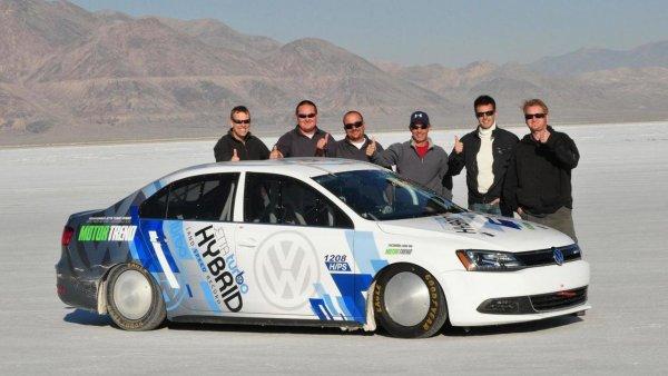 Седан Volkswagen Jetta установил новый рекорд скорости в США