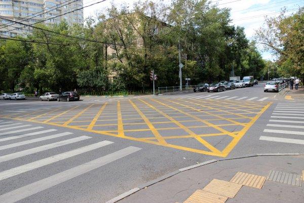 В центре Ростова появилась очередная «разметка-вафельница»