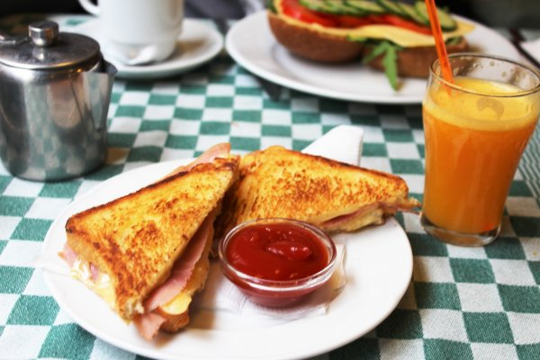 Вредный завтрак: Диетологи назвали продукты, которые не следует есть утром