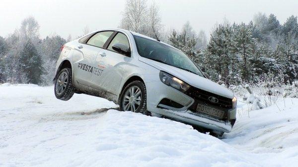 LADA Vesta без «косяков»: Блогер рассказал о тонкостях покупки авто в салоне