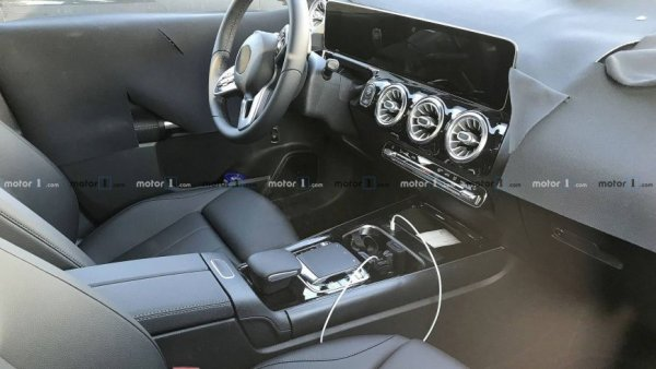 Mercedes-Benz готовится представить новый B-Class в Париже