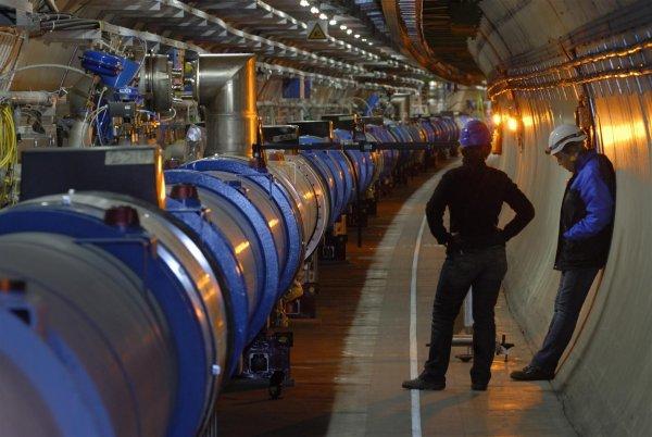 На Большом адронном коллайдере найдены две новые частицы