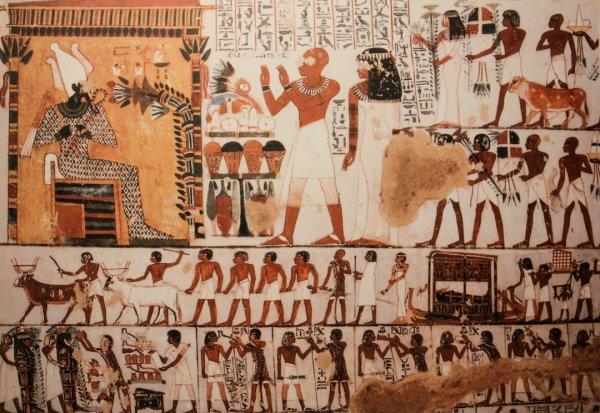 Учёные нашли две древние плиты с рисунками в храмовом комплекте Египта