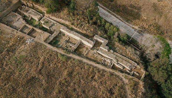 В Крыму археологи откопали статуэтку бога молчания
