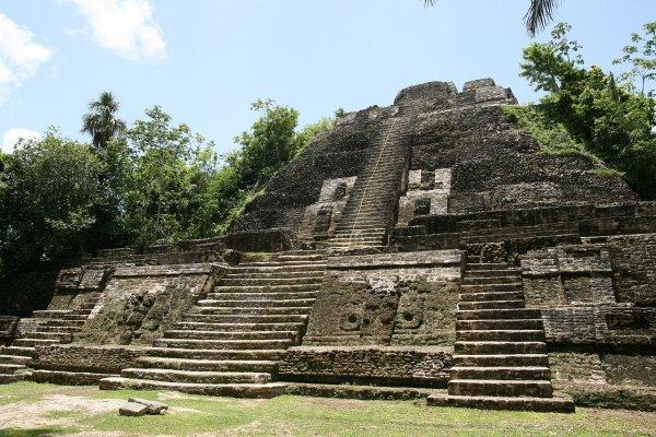Учёные нашли более 60 тысяч построек индейцев майя на полуострове Юкатан