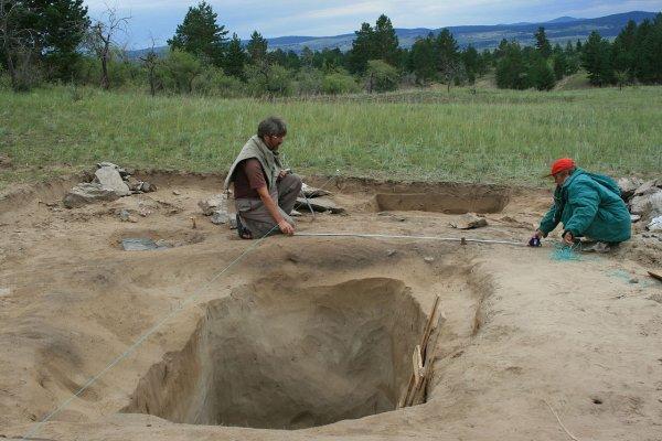Ученый наткнулся на древнейшее кремневое орудие в Кировской области