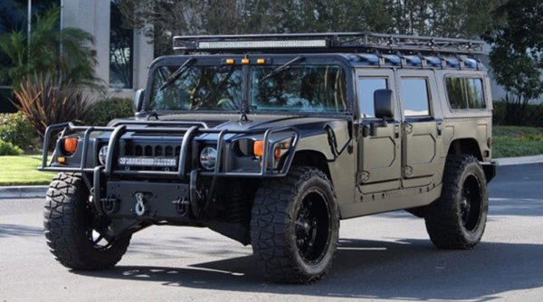 Швед сравнил Hummer и LADA 4x4
