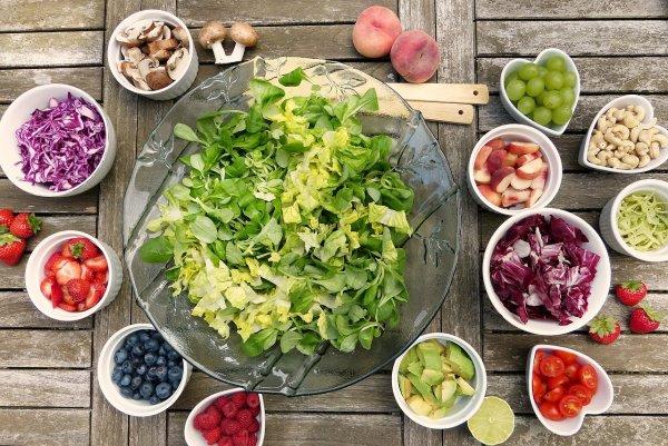 Ученые назвали диету, которая делает людей счастливыми