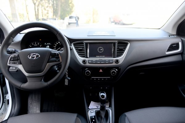 «Куча маленьких косяков»: Блогер рассказал о проблемах Hyundai Solaris после 20 000 км пробега