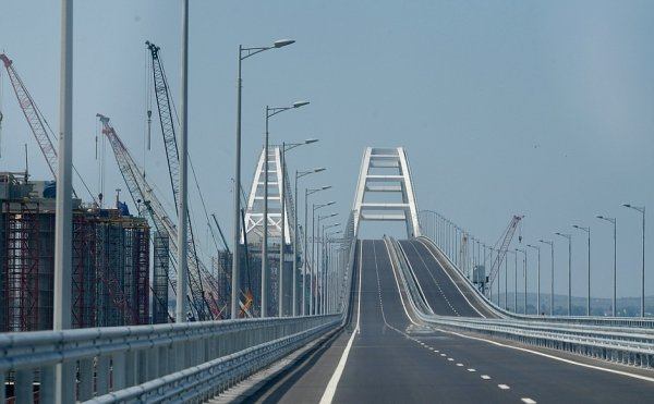 Железнодорожную арку Крымского моста связали с первым пролетом