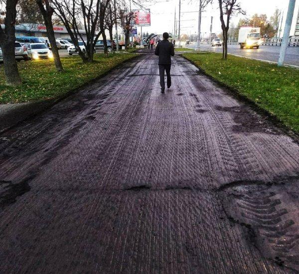 В России дорожникам разрешили менять асфальт в плохую погоду