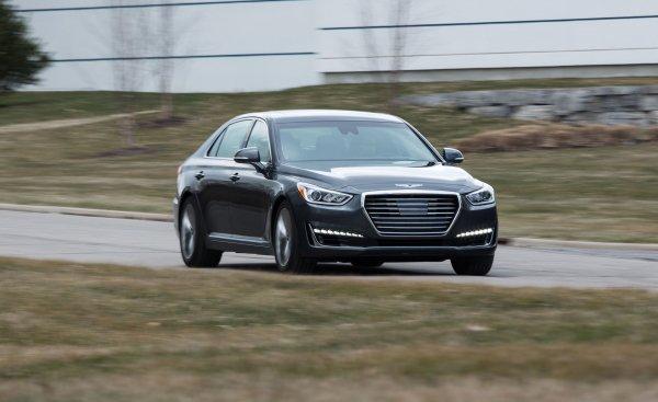 США рассказали об автомобилях с лучшими и худшими фарами