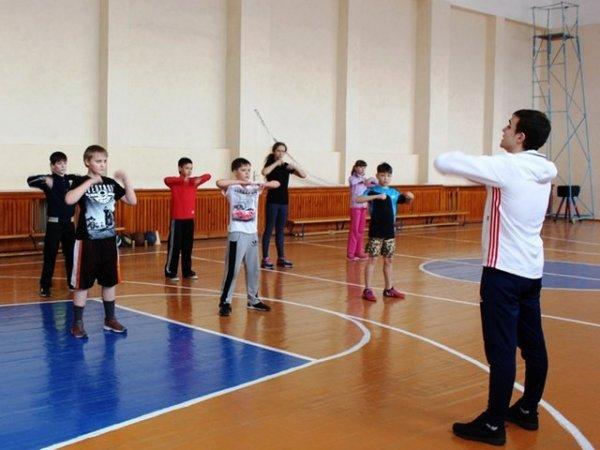 Исаак Калина предложил заменить школьные уроки физкультуры спортивными секциями