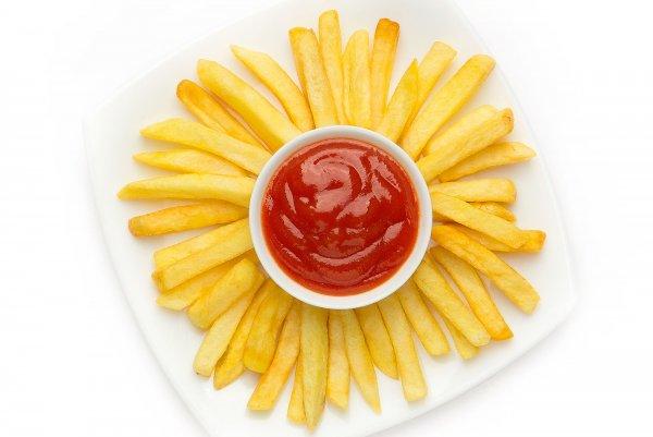 Эксперты назвали безопасную для здоровья порцию картошки фри