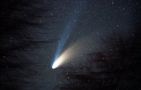 К Земле приближается миниатюрная комета