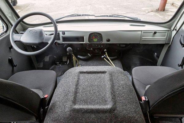 «С Головастиком все плохо»: Механика шокировало качество сборки УАЗ-3303