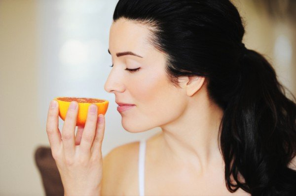 Диетологи выяснили, какие запахи помогают эффективно сжигать жир