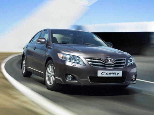 «Адекватная Камри»: О покупке хорошей Toyota Camry V40 с пробегом рассказал блогер