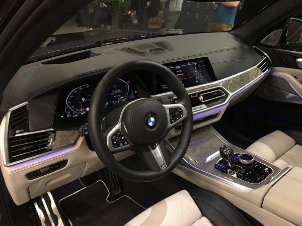 В Москве на закрытом показе замечен новый BMW X7