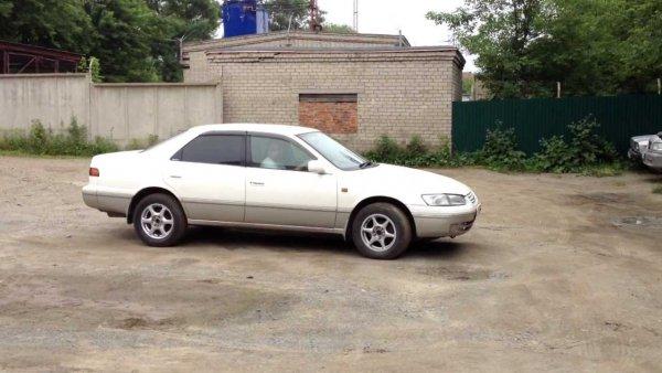 «Живее всех живых»: О подержанной Toyota Camry за 300 000 рублей рассказал эксперт