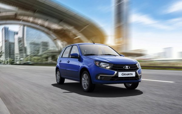 LADA Granta FL или Renault Logan: О выборе между «бюджетниками» рассказал эксперт