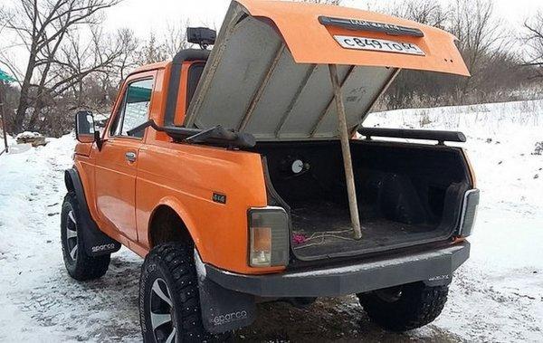 «Рыжая бестия»: LADA 4x4 в кузове пикап покорила сердца россиян